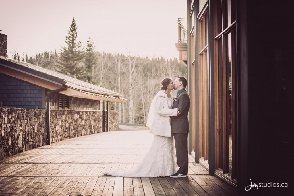 141108_5464-Calgary-Wedding-Photographers-Reviews-Azuridge-JM_Photography