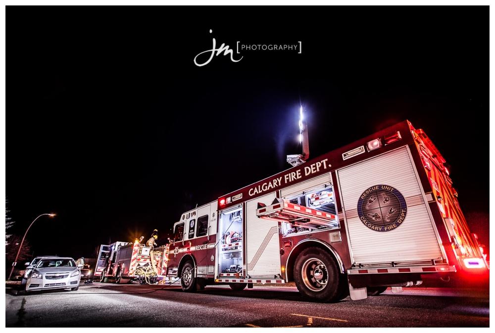 150423_069-Calgary-Wedding-Photographers-JM_Photography-Jeremy-Martel-Erin-Woods-Fire