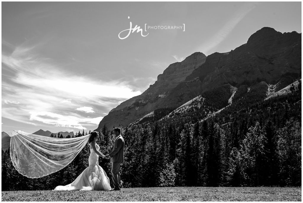150718r_0650 Banff-Wedding-Photographer-JM_Photography-Jeremy-Martel-Delta-Lodge-Kananaskis