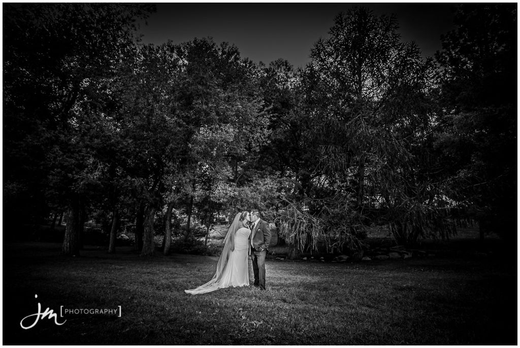 150815r_0856-Edmonton-Wedding-Photography-JM_Photography-Jeremy-Martel-Hawrelak-Park