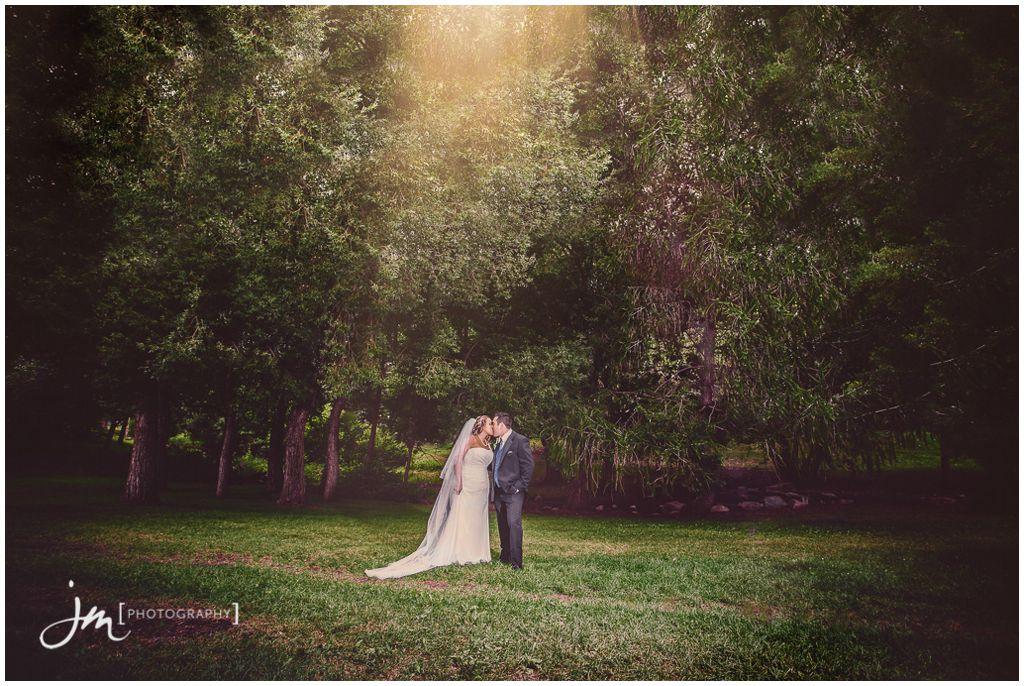 150815_60002-Edmonton-Wedding-Photographers-William-Hawrelak-Park-JM_Photography-Jeremy-Martel