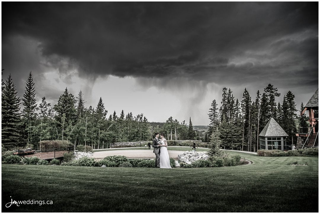 160526r_0089-Calgary-Wedding-Photographers-Azuridge-Estate-JM_Photography