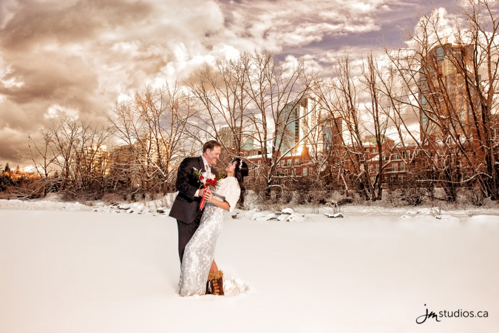 151229_6325-Calgary-Wedding-Photographers-Reviews-River-Cafe-Princes-Island-Park-JM_Photography