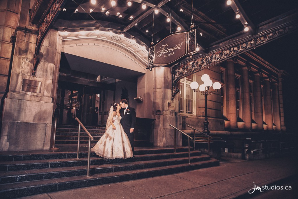 160327_5821-Calgary-Wedding-Photographers-Reviews-Fairmont-Palliser-Hotel-JM_Photography